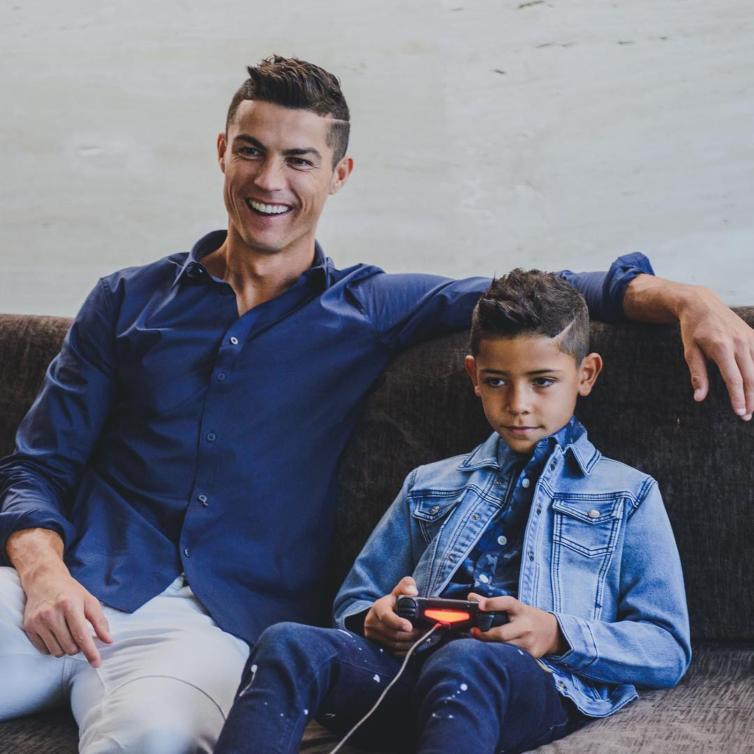 ede9f74f5bd Cristiano Ronaldo Instagram  Family time Living in our CR7 jeans ...