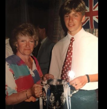 David Beckham Instagram: Happy Birthday to one of the most amazing mums and Grandma anyone could wish for...