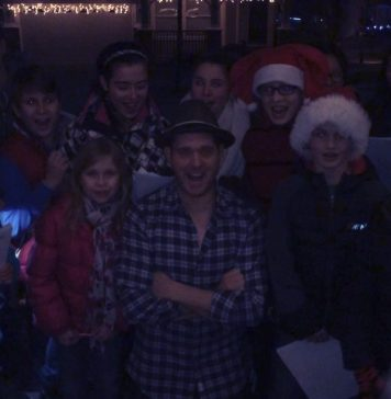 Michael Bublé Instagram: Just had the cutest carollers come to my door.  This grinches heart grew 3 sizes...