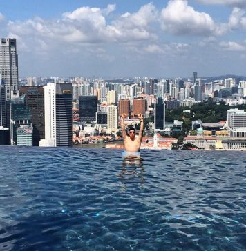 Yeah , touring in Singapore is pretty facking awesome !!     ...