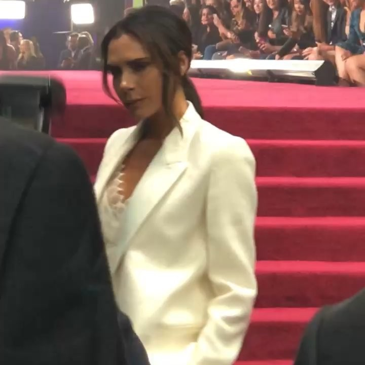 Victoria Beckham Instagram: So much fun tonight! Thank you  I feel so honored to win your first fashion icon...