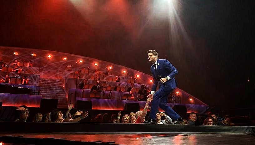 Michael Bublé Instagram: Such a warm welcome back to Canada tonight in Toronto! ...