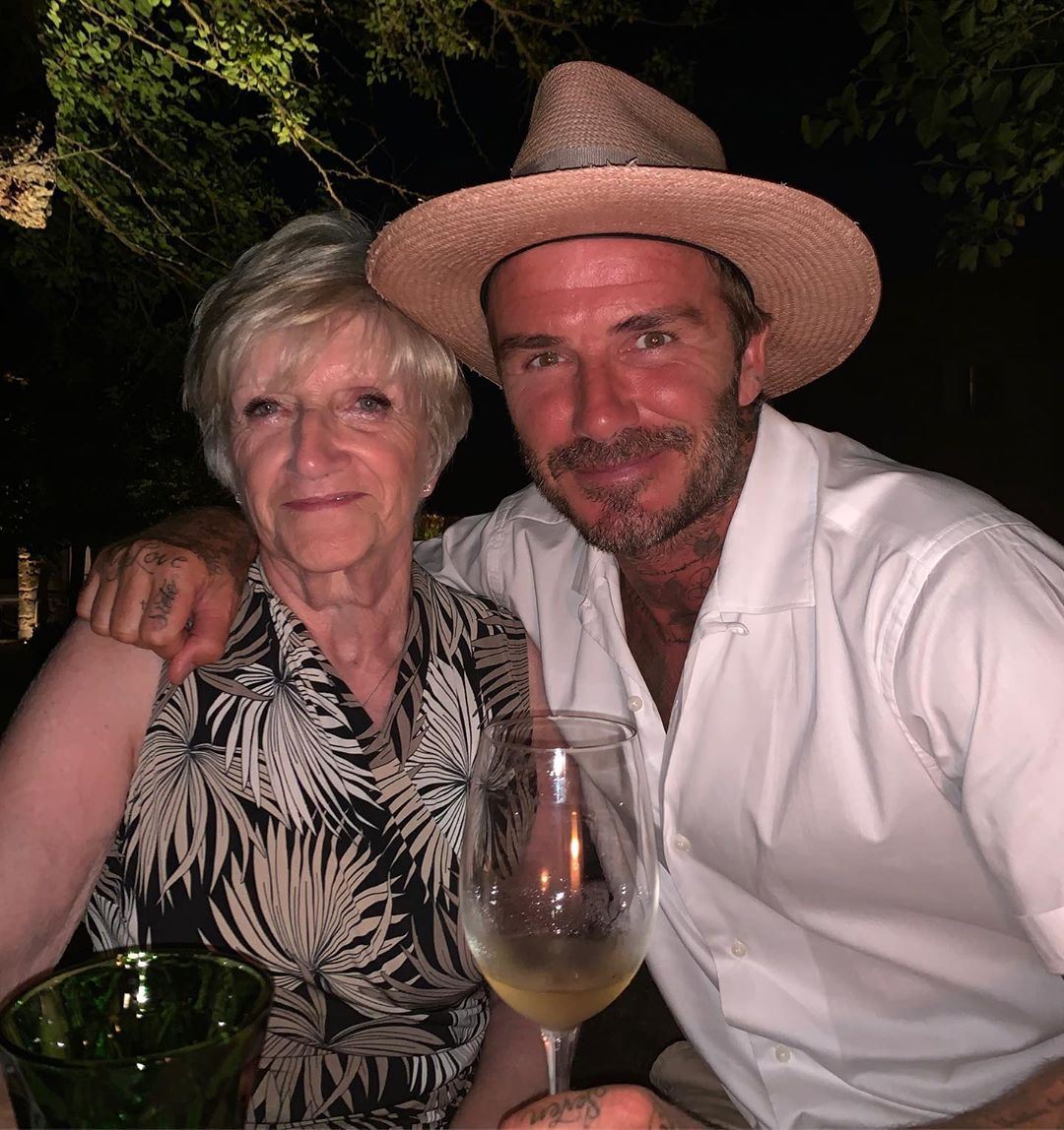 David Beckham Instagram: Summer time with mum ...