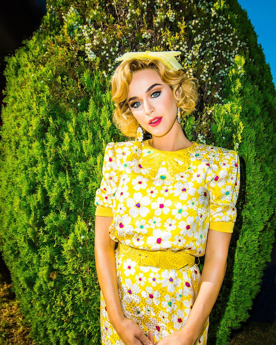 Katy Perry Instagram:  Click the link in bio to have a good weekend  ...