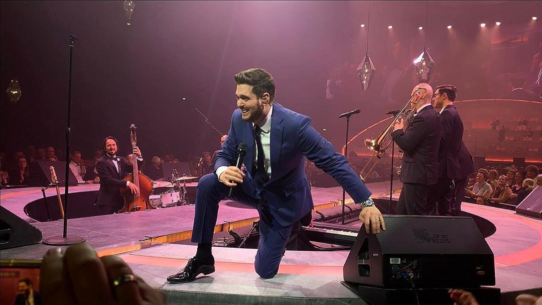 Michael Bublé Instagram: Thursday is the new Friday night in Hamburg. Such energy tonight! ...