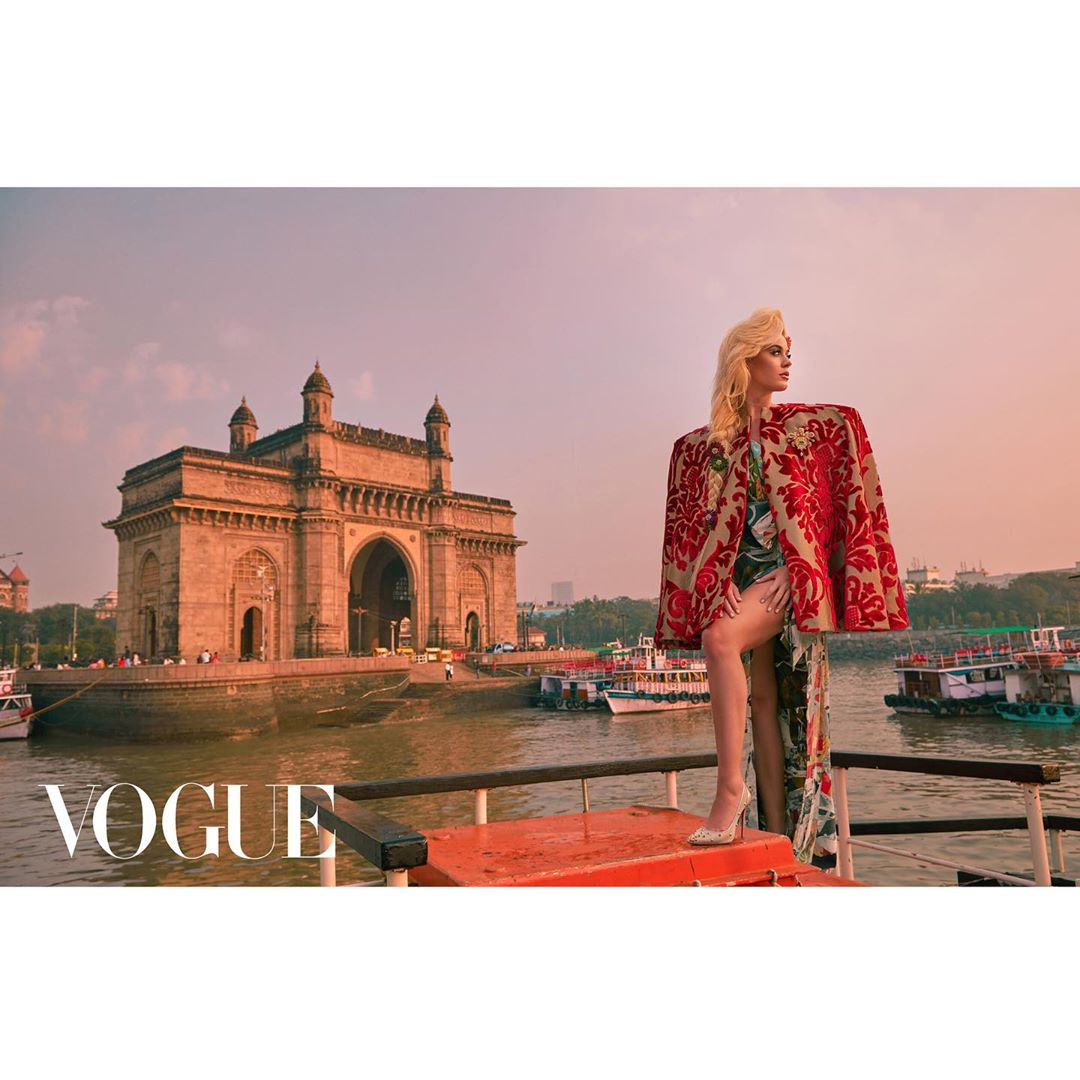 Katy Perry Instagram: The Gateway of India - a jewel in the crown    Jan 2020  Story link in bio...